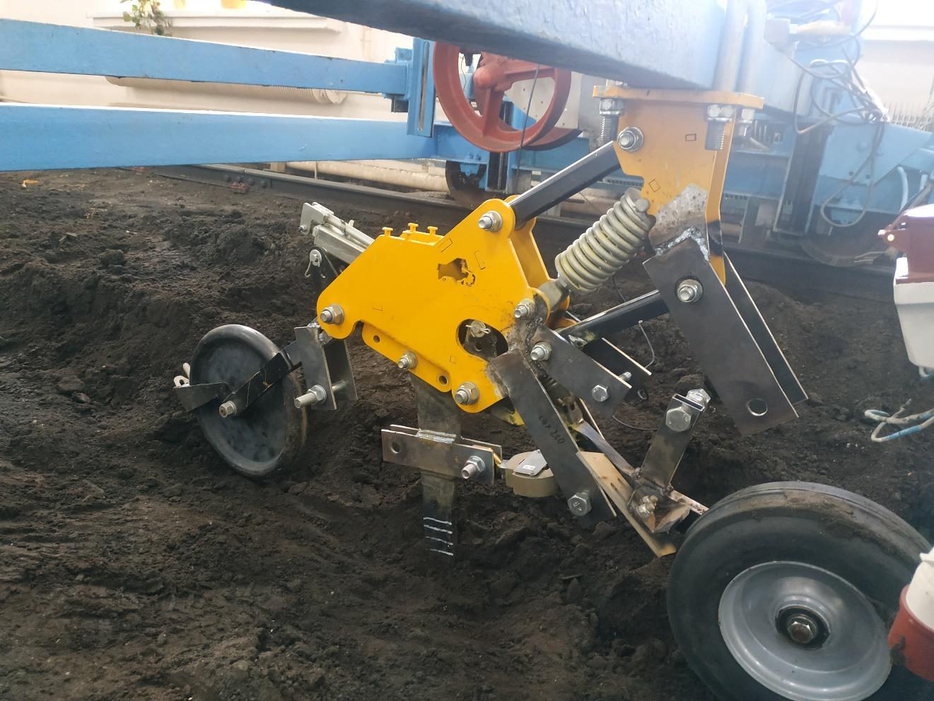 word image 231 Разработка конструктивной схемы и обоснование параметров почвообрабатывающего посевного агрегата с пневматическим высевом семян для тракторов класса тяги 5